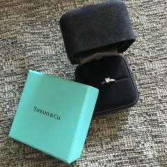【ティファニー(Tiffany & Co.)の口コミ】 シンプルで、長く着用できる飽きのこないデザインを探していました。加えて…
