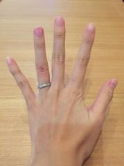 【ショーメ(CHAUMET)の口コミ】 主人があまり細い指輪が似合わなく銀座の数あるお店を訪れた結果この指輪…