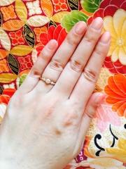 【COCKTAIL(カクテル)の口コミ】 デザインも華やかで、指につけた時のダイヤの存在感がとてもあります。 ゴ…