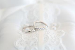【銀座ダイヤモンドシライシの口コミ】 まずネットで事前に指輪を検索しました。その後実際に店舗に訪れて目で確認…