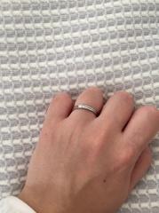 【4℃(ヨンドシー)の口コミ】 指輪を着ける習慣がなく、夫婦共にこだわりもなかったので、シンプルかつ…