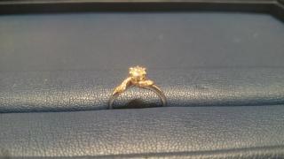 【銀座ダイヤモンドシライシの口コミ】 彼女が鳥好きなことを店員さんに伝え、それに所縁のある指輪をと考えてい…