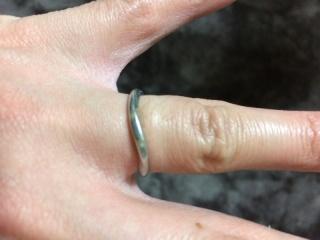 【ラザール ダイヤモンド(LAZARE DIAMOND)の口コミ】 指が短い私の指に合うものを探しました。これまでファッションでも指輪をつ…
