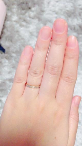 【俄(にわか)の口コミ】 肌の色が黒いので肌なじみが良いピンクゴールドのミル打ちの指輪を選びまし…