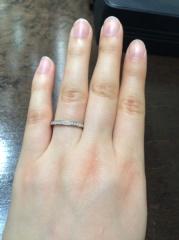 【俄(にわか)の口コミ】 小さいダイヤをたくさんあしらった指輪が欲しいと思い、インターネットでい…