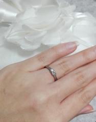 【スタージュエリー(STAR JEWELRY)の口コミ】 結び目がうさぎみたいで可愛いと思い一目惚れしました。他の指輪も色々み…