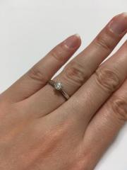 【エクセルコダイヤモンド(EXELCO DIAMOND)の口コミ】 一粒ダイヤで、シンプルなデザインのもの、年齢を重ねても身につけられる…
