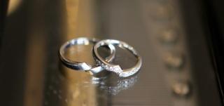 【俄(にわか)の口コミ】 1番の決め手は、選んだ指輪が【綾】という名前だった事です。 私の名前が…