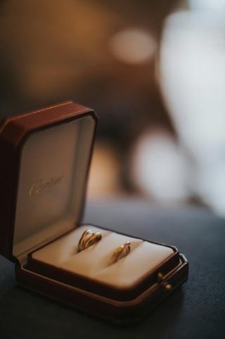 【カルティエ(Cartier)の口コミ】 シンプルながらも、特徴のあるデザイン。ホワイトゴールド、イエローゴール…