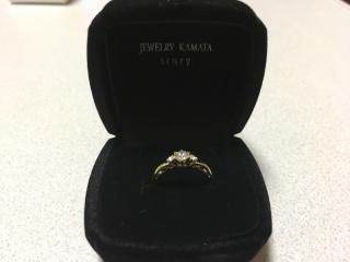 【JEWELRY  KAMATA(ジュエリーかまた)の口コミ】 結婚情報誌を見て、見に行ってみようと二人で結婚指輪を見に行きました。素…