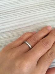 【ティファニー(Tiffany & Co.)の口コミ】 婚約指輪はティファニーと以前から決めていました。彼からプロポーズされ私…