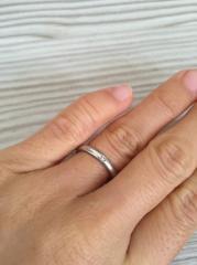 【ティファニー(Tiffany & Co.)の口コミ】 結婚指輪はシンプルが一番!そう思いこの指輪に決めました。ブランドはティ…
