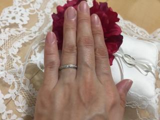 【スタージュエリー(STAR JEWELRY)の口コミ】 普段仕事中も付ける指輪なので、シンプルかつ控えめすぎず、主張しすぎな…