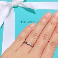 【ティファニー(Tiffany & Co.)の口コミ】 婚約指輪も日常的に身につけたかったので、最初はエタニティを候補にして…