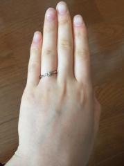 【銀座ダイヤモンドシライシの口コミ】 ダイヤモンドの品質の良さと、お手頃な価格が決め手でした。2人で、リング…