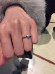 【銀座ダイヤモンドシライシの口コミ】 デザインとダイヤの輝き エタニティ有り、0.3カラット以上、四つ爪、35万…
