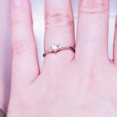 【Mariage(マリアージュ)の口コミ】 ゼクシィで一目惚れしていた指輪を求めて来店。 ウェーブの入った感じと左…