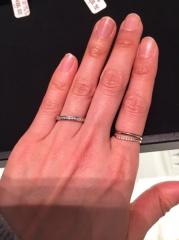 【ティファニー(Tiffany & Co.)の口コミ】 プラチナの地金にダイアモンドが複数入っているハーフエタニティリングで…
