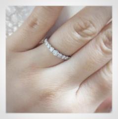 【銀座ダイヤモンドシライシの口コミ】 周りとあまり被らない上に、普段使いできる少しゴージャスなデザインに惹…
