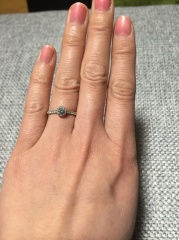 【銀座ダイヤモンドシライシの口コミ】 お店に入り、店員さんの説明がとても丁寧で、ダイヤモンドシライシさんの指…