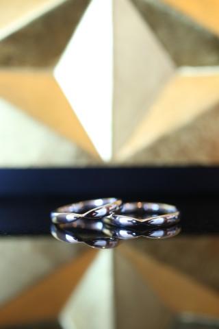 【ティファニー(Tiffany & Co.)の口コミ】 婚約指輪をハーモニーにしたのでセットで使いたいと思い選びました。同じデ…
