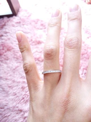 【銀座ダイヤモンドシライシの口コミ】 毎日つけていても手になじむ、かつ、少しキラキラさせたくてこのデザイン…