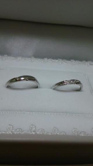 【宝寿堂(ほうじゅどう)の口コミ】 婚約指輪に合わせて重ね付け出来るようにS字ラインのものを探していました…