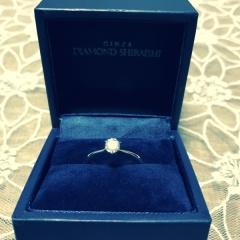 【銀座ダイヤモンドシライシの口コミ】 プロポーズの際にサプライズで婚約指輪をもらいました。その時は仮のリン…
