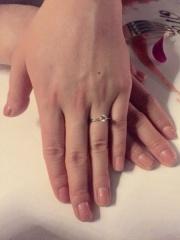 【銀座ダイヤモンドシライシの口コミ】 彼からプロポーズで貰いましたが、ずっと欲しいと言っていた定番の婚約指輪…