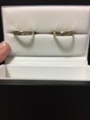 【IMMORTAL MAULOA COLLECTION(イモータル マウロア コレクション)の口コミ】 結婚指輪はシンプルな物が多いですが、このハワイアンな感じと、飽きがこ…