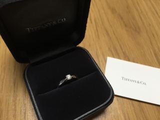 【ティファニー(Tiffany & Co.)の口コミ】 人気の型だった事と、派手すぎず普段でも着けられることです。ちょっとした…