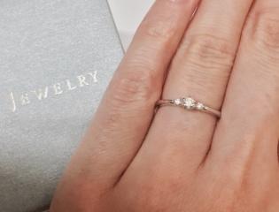 【スタージュエリー(STAR JEWELRY)の口コミ】 シンプルでオーソドックスな婚約指輪を探していました。最終的には彼が選ん…