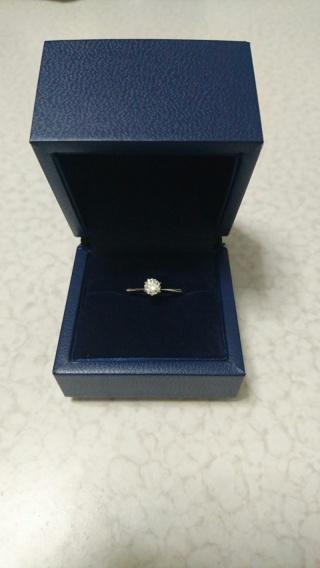 【銀座ダイヤモンドシライシの口コミ】 プロポーズリングシステムを利用し、 ダイヤモンドは自身で選び、 リング…