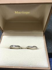 【Mariage(マリアージュ)の口コミ】 実際にハメて自分の指に1番しっくりくるデザインでした。ほんとはピンクゴ…