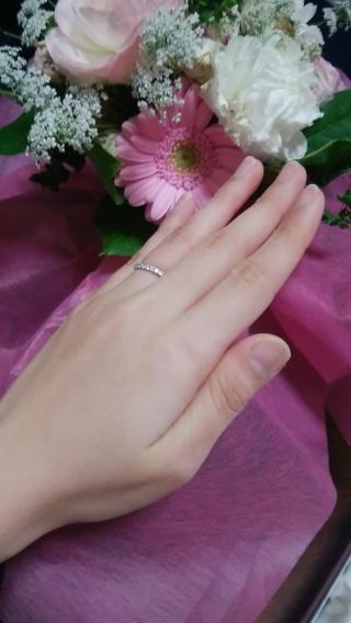 【銀座ダイヤモンドシライシの口コミ】 普段使いできるようにエタニティを探していました。 ダイアモンドの一つ一…