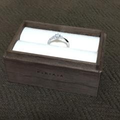 【PORTADA(ポルターダ)の口コミ】 婚約指輪もできるだけ普段から付けたくて、あまり引っかかりのないデザイ…