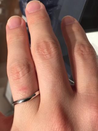 【銀座ダイヤモンドシライシの口コミ】 太過ぎず、細過ぎず、程良い太さのものを探していました。 太過ぎて「指輪…