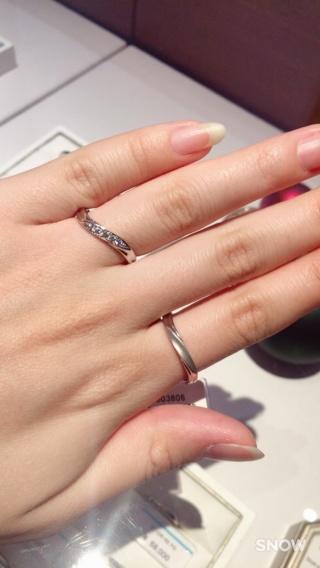 【銀座ダイヤモンドシライシの口コミ】 嫁が気に入ったものをということでこれに決めました! 安心の永久保証、老…