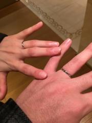 【カルティエ(Cartier)の口コミ】 THE結婚指輪という感じではめていても邪魔にならない指輪です。pt950なの…