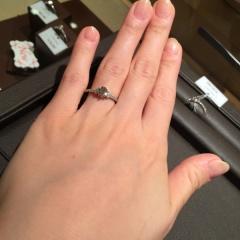 【アイプリモ(I-PRIMO)の口コミ】 婚約指輪らしいデザインは飽きることなく長年愛せるのがポイントです♡ 特…