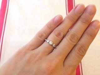 【Ponte Vecchio(ポンテヴェキオ)の口コミ】 真ん中に大きめのダイヤモンドがあり、その両端に小さなダイヤモンドがあ…