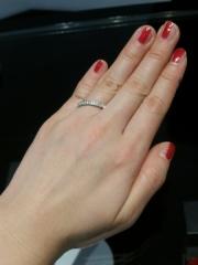 【エクセルコダイヤモンド(EXELCO DIAMOND)の口コミ】 華やかでキラキラとした結婚指輪です!繊細なレースのようなデザインで可愛…