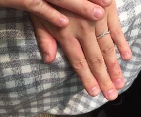 【アイプリモ(I-PRIMO)の口コミ】 Vラインの指輪なので指が長く見える点がポイントです♡ また緩やかなVラ…