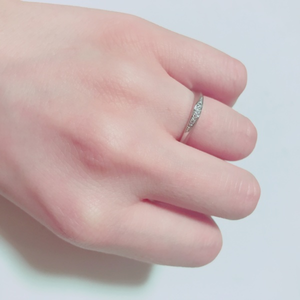 【ROYAL ASSCHER(ロイヤル・アッシャー)の口コミ】 たくさんのブランドがあってデザインにすごく悩みましたが、ダイヤモンドが…