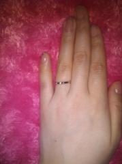 【銀座ダイヤモンドシライシの口コミ】 指輪のデザインの希望は、シンプルなデザインで、仕事場にも付けていきやす…