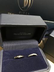 【銀座ダイヤモンドシライシの口コミ】 ダイヤモンドがたくさん入ったリングが良かったので、一目惚れでした。リ…