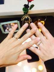 【銀座ダイヤモンドシライシの口コミ】 シンプルで、長く使えそうなデザインが決め手。婚約指輪との相性が良く、指…