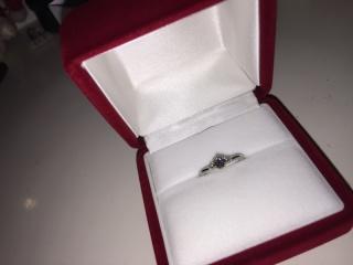 【銀座ダイヤモンドシライシの口コミ】 デザイン性もあるが何より、スタッフさんが親身になってくれて色々なダイヤ…