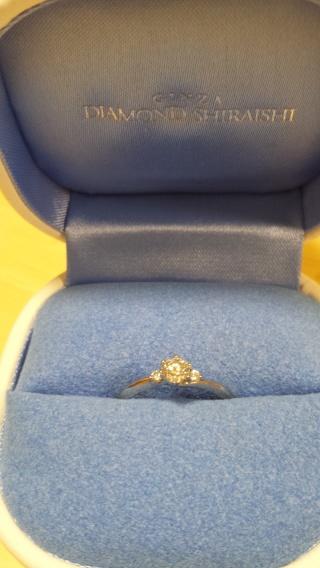 【銀座ダイヤモンドシライシの口コミ】 デザインがシンプルで長く着けられそうだったから。また、私がストレートよ…