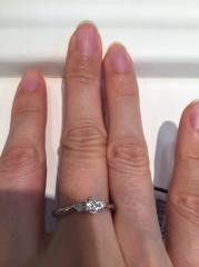 【ラザール ダイヤモンド(LAZARE DIAMOND)の口コミ】 メレダイヤが2つのタイプです。ラザールなので、カット技術が素晴らしく、…